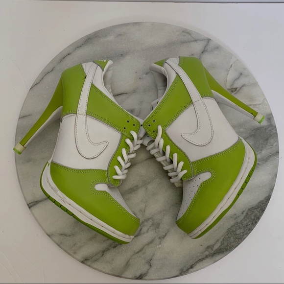 wholesale dealer f22d8 df7d2 NIKE Dunk high heels